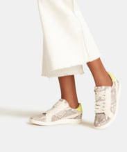 NINO SNEAKERS IN STONE SNAKE PRINT LEATHER -   Dolce Vita