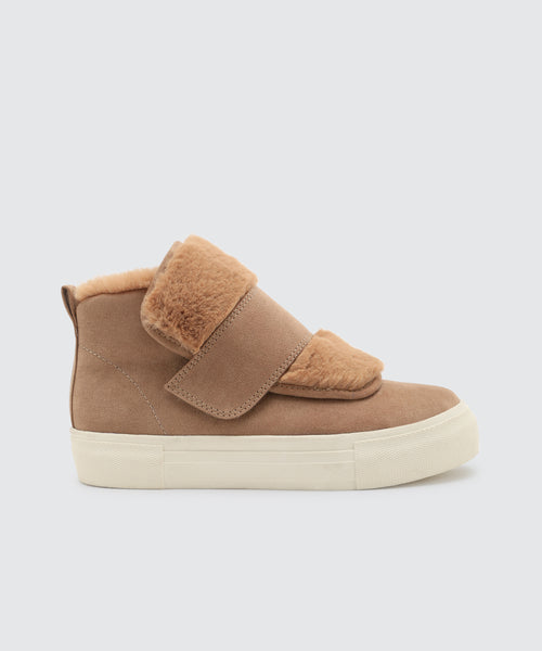 CAIA SNEAKERS IN ALMOND -   Dolce Vita