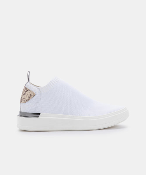 JAYLA SNEAKERS IN WHITE -   Dolce Vita