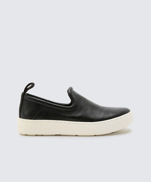 TAG SNEAKERS IN BLACK -   Dolce Vita