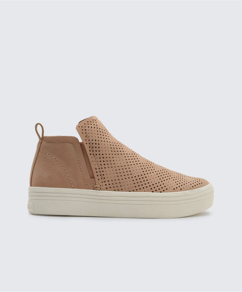 TATE PERF SNEAKERS IN SAND -   Dolce Vita