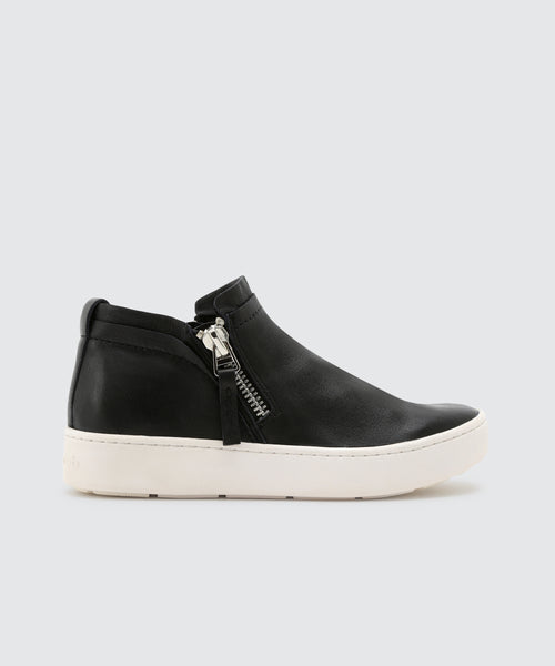 TOBEE SNEAKERS IN BLACK -   Dolce Vita