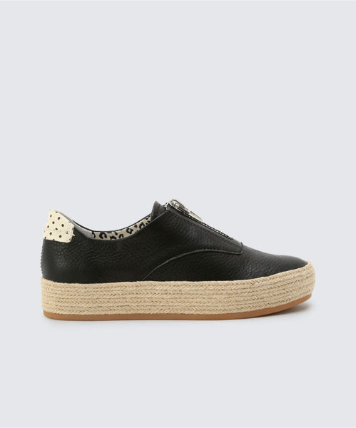TRAE SNEAKERS IN BLACK -   Dolce Vita
