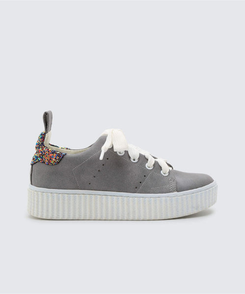 WREN SNEAKERS IN GREY -   Dolce Vita