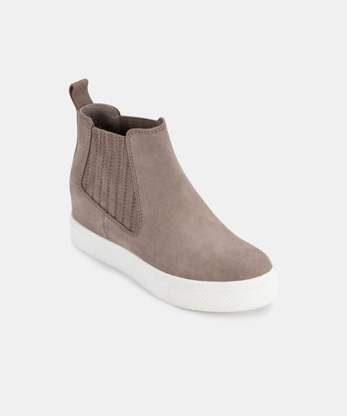 WYND SNEAKERS DK TAUPE SUEDE – Dolce Vita