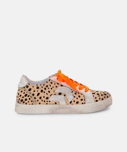 ZAGA SNEAKERS IN SAND SPOTTED -   Dolce Vita