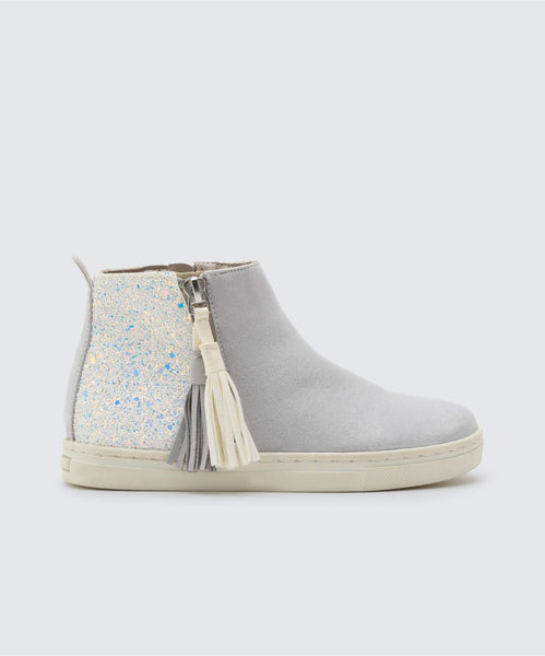 ZALIX SNEAKERS IN LIGHT GREY -   Dolce Vita