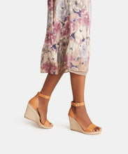 NOOR WEDGES IN TAN -   Dolce Vita