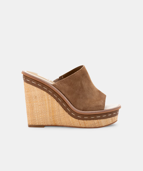 BONNY WEDGES IN DARK SADDLE SUEDE -   Dolce Vita