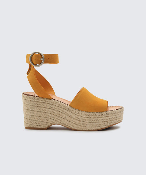 LESLY WEDGES IN HONEY -   Dolce Vita