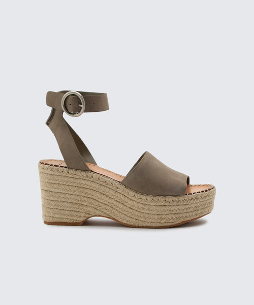 LESLY WEDGES IN SAGE -   Dolce Vita