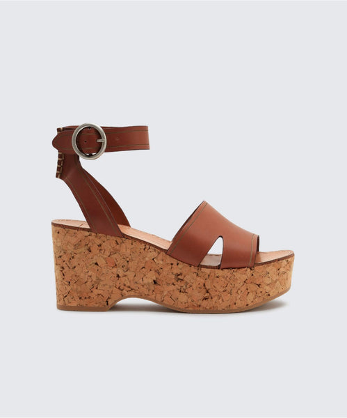 LINDA WEDGES IN BROWN -   Dolce Vita