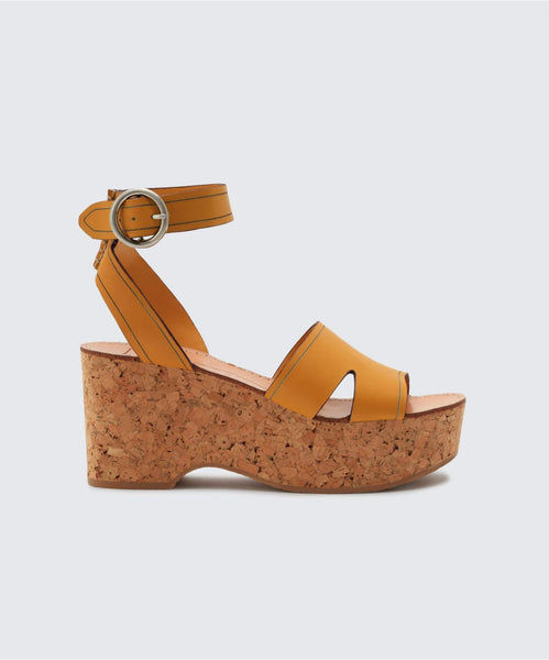 LINDA WEDGES IN HONEY -   Dolce Vita