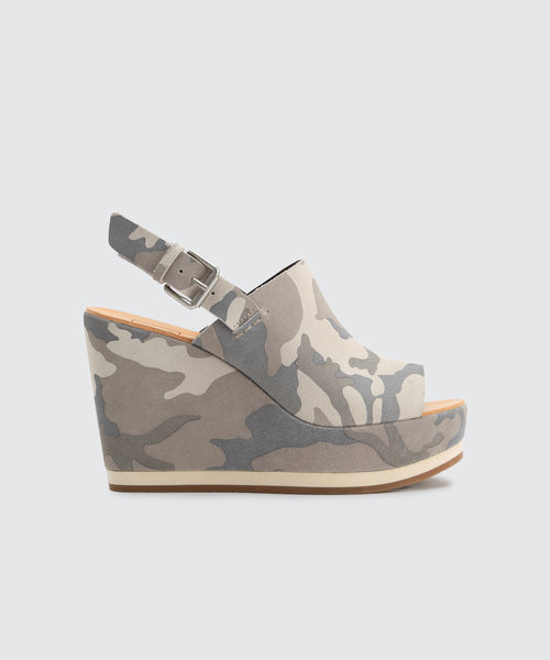 SHAN WEDGES IN CAMO -   Dolce Vita
