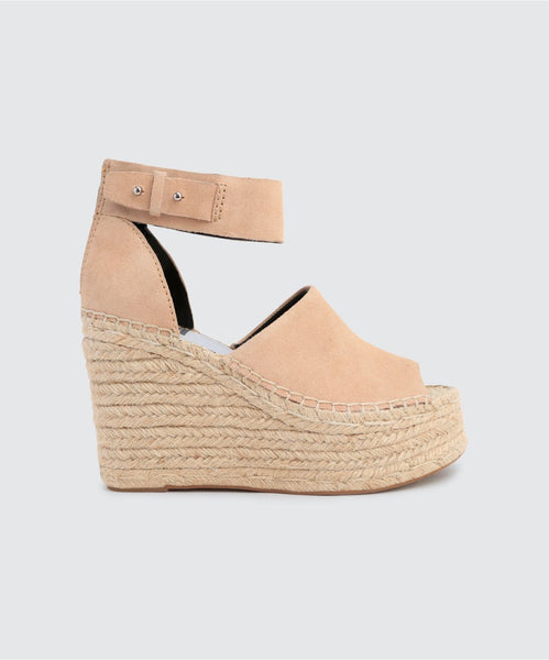 STRAW WEDGES IN BLUSH -   Dolce Vita