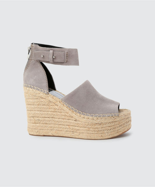 STRAW WEDGES IN SMOKE -   Dolce Vita