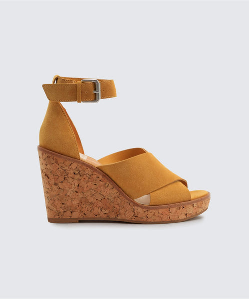 URBANE WEDGES IN HONEY -   Dolce Vita