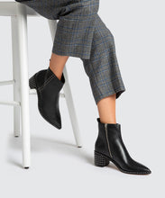 BROOK BOOTIES IN BLACK -   Dolce Vita