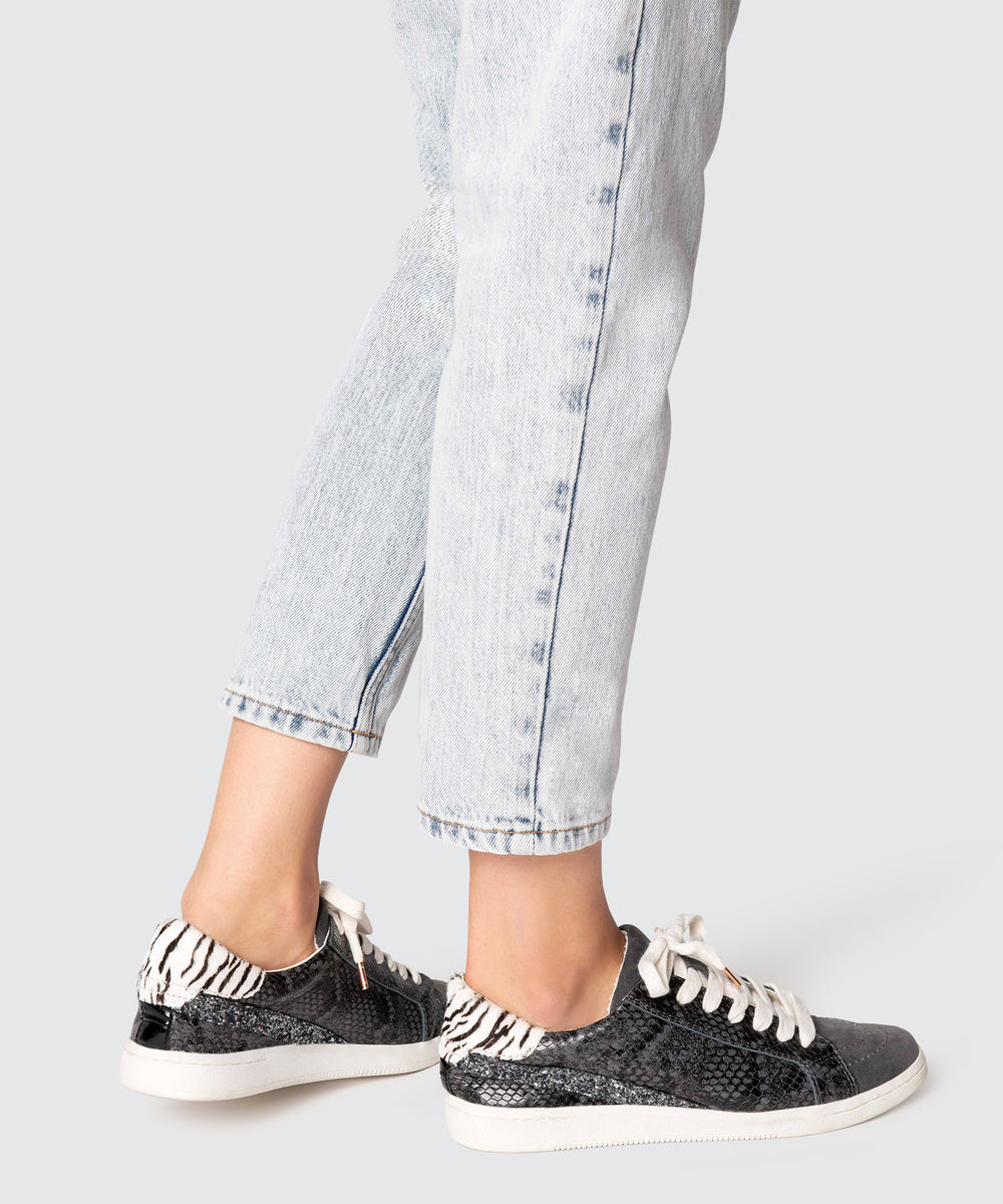 NINO SNEAKERS IN CHARCOAL SNAKE – Dolce
