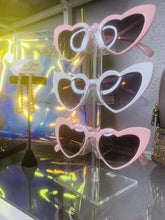 Load image into Gallery viewer, Heart Shaped Diva Glasses