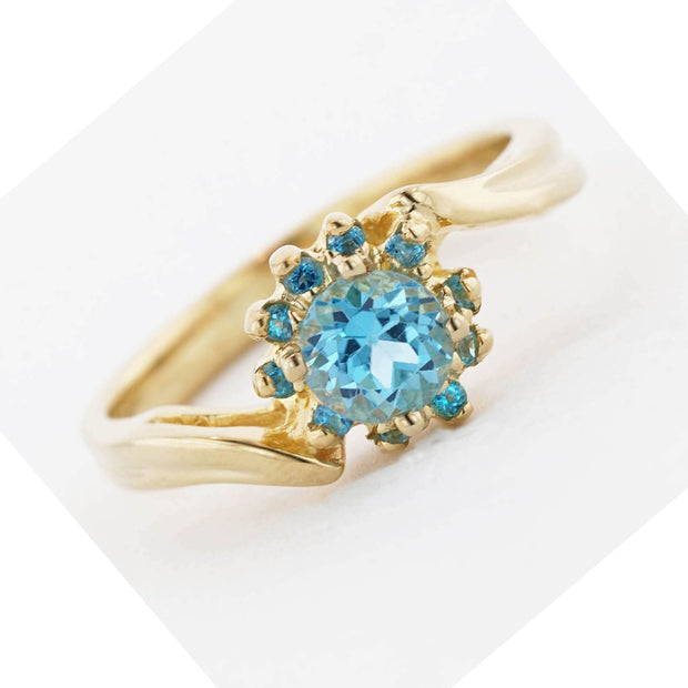 blue topaz flower ring, blue jewels, blue topaz rings, gems and jewels, flower ring, blue topaz engagement ring, blue gold ring