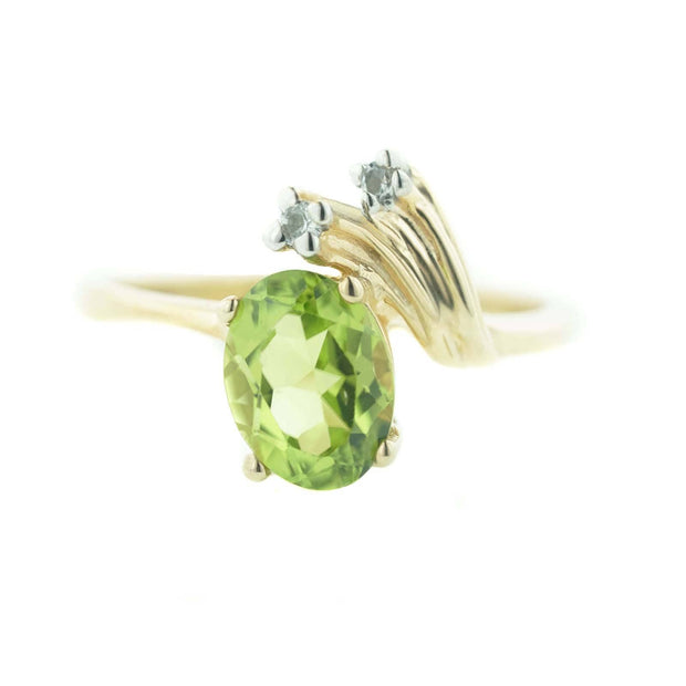 peridot, gemstone, fine jewelry, peridot ring, woman ring, women's ring, star, august birthstone, wholesale jewelry, ring, rings, gold, heavy stone rings, zales, kay, discount, best price