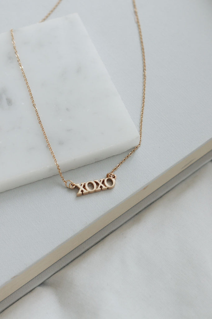 GOLD PLATED NECKLACE - XOXO