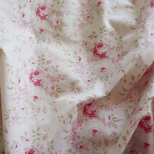 Load image into Gallery viewer, Fitted Bassinet Sheet - Pink Roses