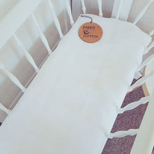 Load image into Gallery viewer, Fitted Bassinet Sheet - Linen - Milk White