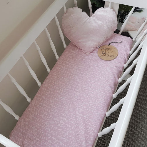 Fitted Bassinet Sheet - Featherland - Pink
