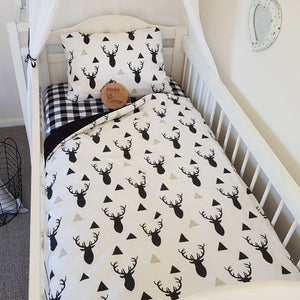 Cot Quilt - Stags - Black