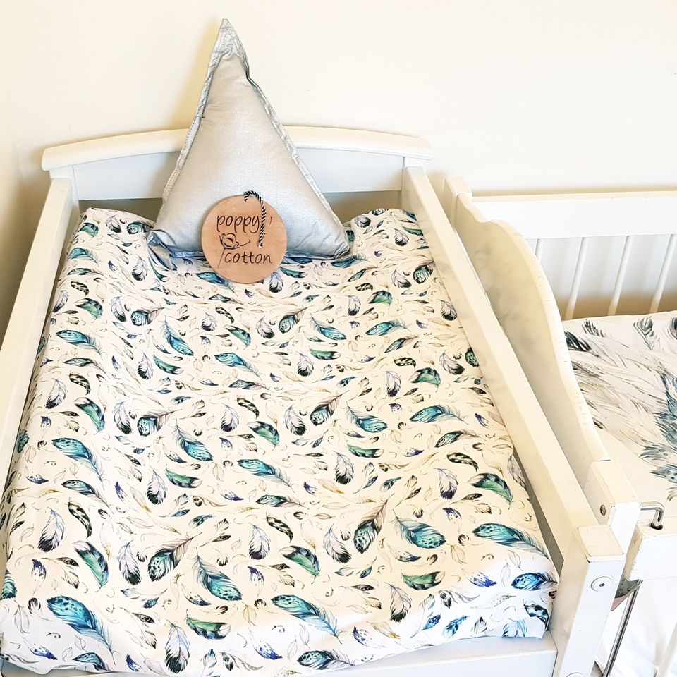 Change Mat Cover / Bassinet Sheet - Blue Feathers