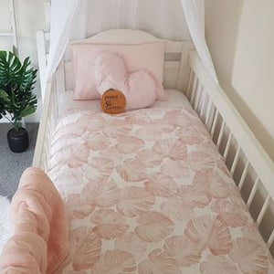 Cot Quilt - Blush Monstera