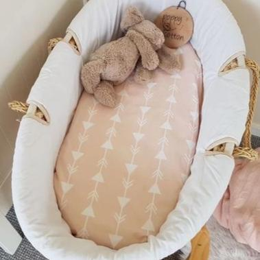 Fitted Moses Basket Sheet - Arrows - Blush