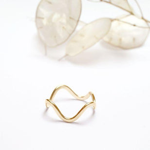 ABSTRACT CURVY - Ring aus recyceltem Gold
