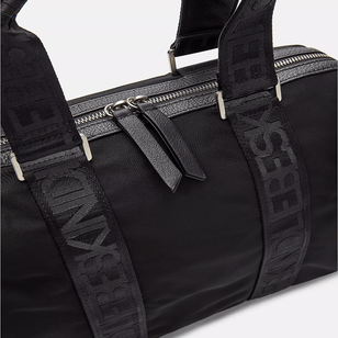 BOWLING BAG - Eco Aware Tasche aus recyceltem Nylon