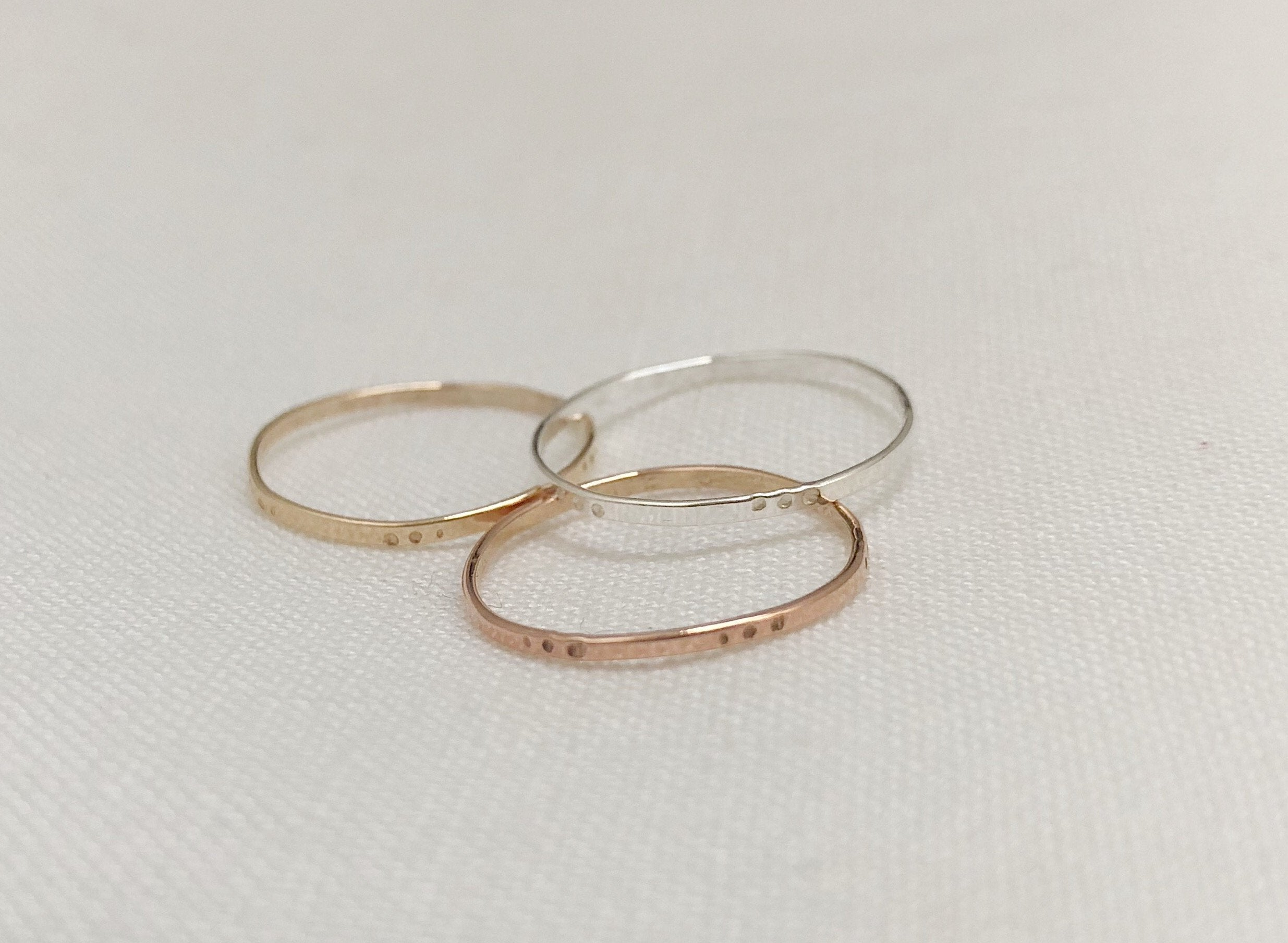 DOT BAND Ring aus recyceltem Gold