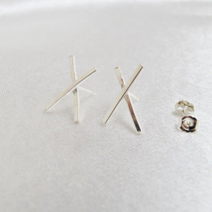 KISS STUDS - Ohrstecker aus recyceltem Silber___Material---recyceltes Silber