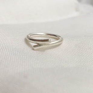 KNOT RING aus recyceltem Silber___Material---recyceltes Silber