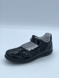 BOBELL OTTER E BLACK PATENT FLOWER MARY JANE SHOE