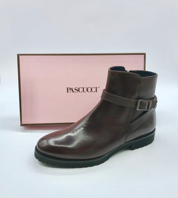 PASCUCCI LADIES CLASSIC BROWN BUCKLE BOOT