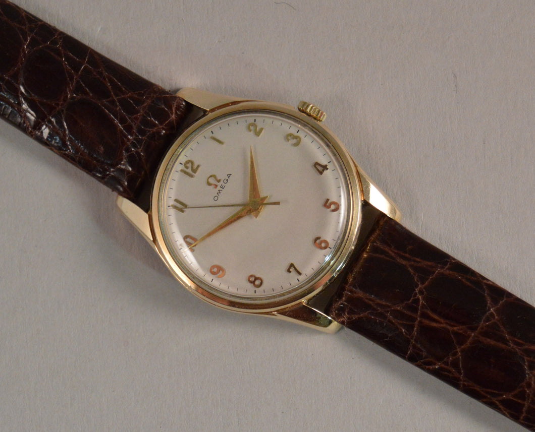 Omega Gentleman's 9ct Gold Manual Wind Wrist Watch - 1961