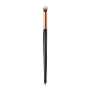 Eyeshadow brush with soft hairs