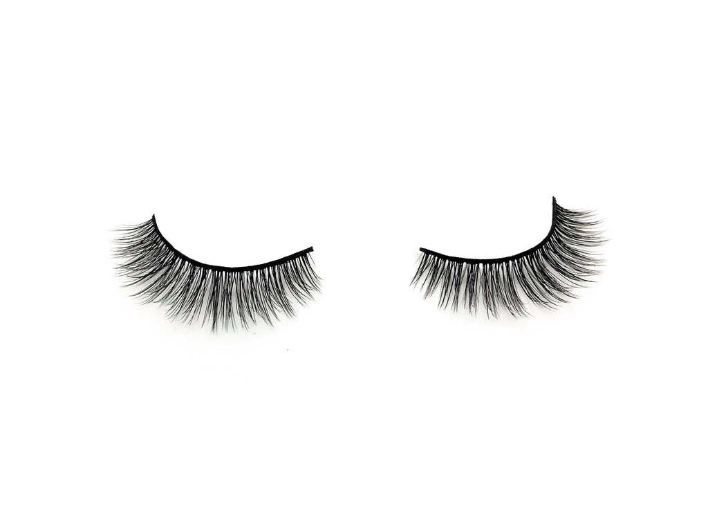 Nicole Lashes by Lash Stash