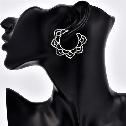 Flower Shaped Wedding Party Hoop Earrings