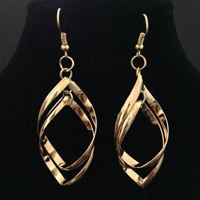 Hollow Rhombus Leaf Style Earrings