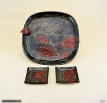 Load image into Gallery viewer, Handmade dinnerware, Dancing leaf square plate set