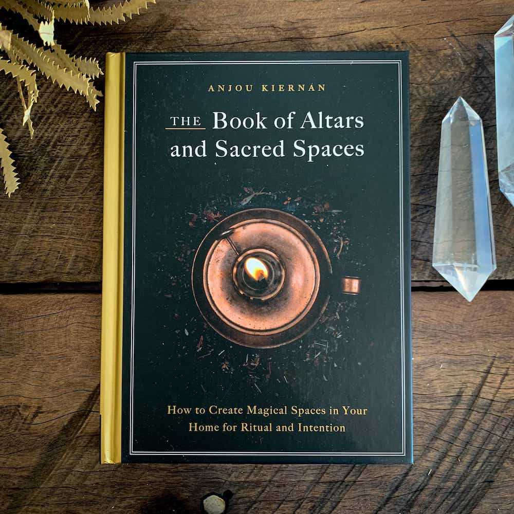 THE BOOK OF ALTARS & SACRED SPACES