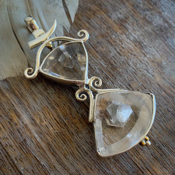 DOUBLE MANIFESTATION QUARTZ PENDANT