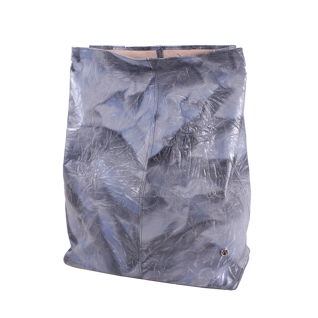 TAT_illusory_lunchbag clutch_14601_silver blue_front